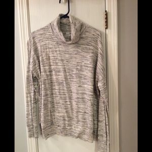 Sonoma Lightweight Black/White Heather Sweater